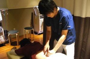 痛みを鎮め、自律神経を整える効果を持つ鍼灸治療